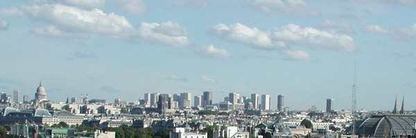 Vue de l'agence Philippe Roux Architecte, rue du Faubourg-Saint-Honoré à Paris 8e