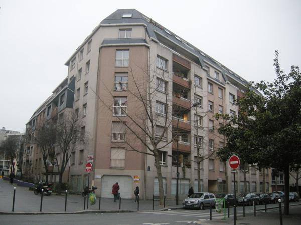 Façades avant travaux d'un immeuble « 1980 » à Paris 20e